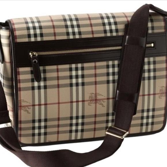 58274c47a7c Burberry Haymarket Check Beige Messenger Bag. Burberry.  M_5b8989a3df030731a4752cc3. M_5b89e16995199634f1124eb4.  M_5b89e178f63eea16755bc241